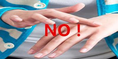 手指白癜风白斑典型症状有哪些?
